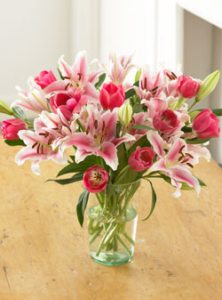 Pink-sorbonne-lilies-pink-tulips-bouquet