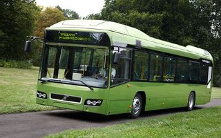 163_news080929_00z+volvo_7700_hybrid_bus+front_view